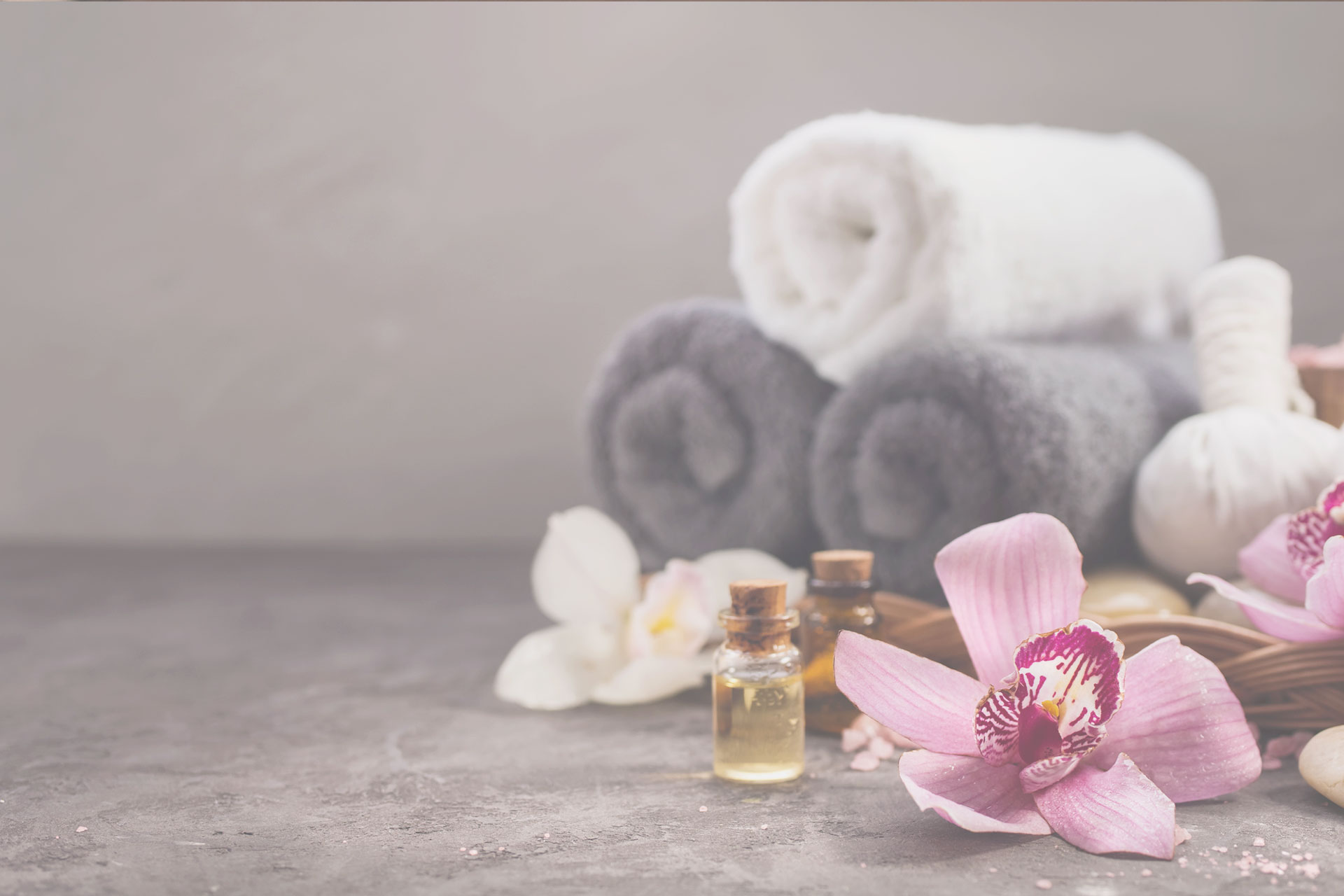 towels with flowers & essential oils